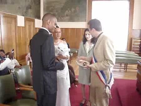 Mariage civil à la mairie - Cybercuré